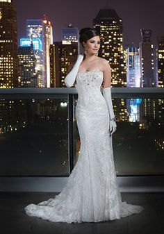 Justin Alexander Signature Wedding Dresses - Search our photo gallery for pictures of wedding dresses by Justin Alexander Signature. Find the perfect dress with recent Justin Alexander Signature photos. Lace Wedding Dress, Wedding Dresses Photos, Wedding Dress Sizes, Used Wedding Dresses, Bridal Dresses, Wedding Gowns, Dresses Dresses, Gold Wedding, Party Dresses