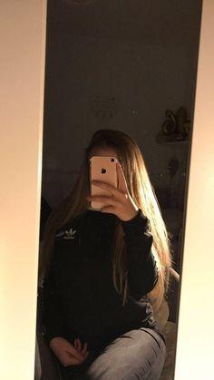 Snapchat Selfies, Snapchat Girls, Girl Photo Poses, Girl Photos, Profile Pictures Instagram, Girls Mirror, Fake Girls, Fake Photo, Selfie Poses