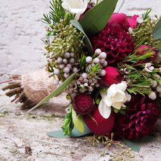 #bridalbouquet #vintage #berry #bordeaux #dahlia #wedding #Winter #brautstrauß #eucalyptus #hochzeit #cgn #waxflower
