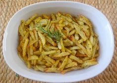 Ingredients: 10 medium-sized potatoes, peeled and washed 6 tbsp olive oil 1 tsp salt (or more) 1/2 tsp ground black pepper 1 tsp dried rosemary 2 tsp dried oregano 1/2 tsp dried basil Direct…