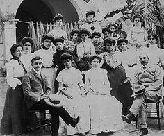 Principal,maestros y estudiantes,escuela en Mayaguez,P.R.1900