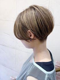 【morio成増】無造作ショートボブ&アッシュブラウンカラー:L074990269 モリオフロムロンドン成増3号店のヘアカタログ ホットペッパービューティー Cool Haircuts, Great Hair, Short Hair Styles, Hair Cuts, Hair Beauty, Wainscoting, Dining Room, Fashion, Color For Short Hair