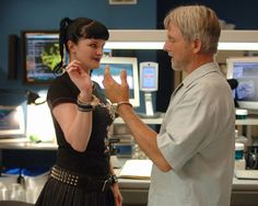 """NCIS Season 4 Episode 2 - """"Escaped"""" ~ Abby handcuffs Gibbs to her so he can't leave and go back to Mexico!"""