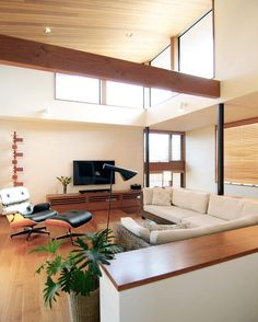 落ち着いた雰囲気のリビング  ハイサイドライトからの光が部屋全体を明るくします   鎌倉の家10 #Sデザイン設計一級建築士事務所   オシャレなタイルを新春セール中 セール会場には弊社の @tilelife.co.jp のURLをクリックしてご来場ください 月日までの限定セールです  . . #リビング #living #シンプルテイスト #新築一戸建て #ハウスノート #housenote #家づくり #マイホーム #マイホーム計画 #マイホーム計画中 #住宅設計 #住宅デザイン #住宅建築 #住まい #住まいづくり #建築家 #工務店 #インテリアデザイン #内装 #戸建 #ハイサイドライト #勾配天井