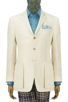 Without doubt, one of this season's strongest jackets is the Edmondton in cream linen. The magnificent linen quality in which it is made, is exactly as used in suits worn for The Grand Tour by gentlemen travellers in the 1920s and 30s. The cloth has a reassuringly luxurious weight which give an elegant drape but remains cool in wear.