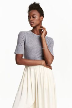 What better way to stock up for the new season than with affordable new offerings from H&M? With cashmere at just and on-trend looks from feminine ruffles to cool, casual stripes, the high street hero's latest offerings are simply too good to miss. H&m Online, Mulberry Silk, Fashion Online, Midi Skirt, Kids Fashion, Cashmere, Feminine, Casual, Skirts