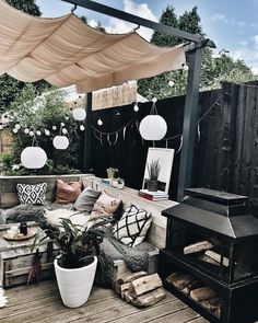 What would you miss most about your house if you moved out? Hygge, Garden Sitting Areas, Outdoor Fire, Outdoor Decor, Ikea Outdoor, Back Garden Design, Small Courtyard Gardens, Backyard Patio Designs, Pergola Patio