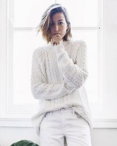 A Handy Guide to Living in Your Oversized Sweater All Winter - Fashion Trends Mode Chic, Mode Style, White Fashion, Look Fashion, Curvy Fashion, Fall Fashion, Outfit Jeans, Baggy Jeans Damen, Vetements Clothing
