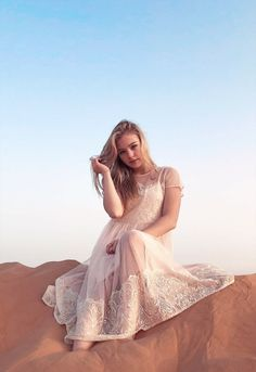 Russian Baby, Photoshoot Inspiration, Country Girls, How To Look Pretty, Night Gown, Harry Styles, Bohemian, The Unit, Beauty