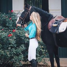 Regram in the curaçao long sleeve tee and our classic knee patch breeches! Lightweight sun protection performance apparel for the modern equestrian. Cute Horses, Horse Love, Horse Girl, Beautiful Horses, Equestrian Outfits, Equestrian Style, Horseback Riding Outfits, Horse Riding Clothes, Horse Fashion