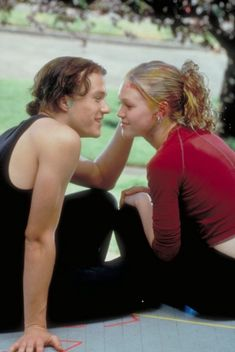 10 THINGS I HATE ABOUT YOU.   filmtastic 90s Movies, Iconic Movies, Series Movies, Good Movies, Movie Tv, Cult Movies, Jennifer Grey, Julia Stiles, Heath Ledger