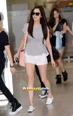 http://okpopgirls.rebzombie.com/wp-content/uploads/2013/08/SNSD-Seohyun-airport-fashion-August-7-2.jpg