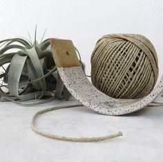 Gorgeous glaze flashing on this air plant cradle ✨