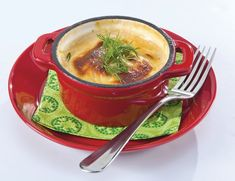 Alaskan kalavuoka Thai Red Curry, Alaska, Tea Cups, Tableware, Ethnic Recipes, Food, Dinnerware, Dishes, Teacup