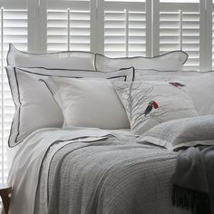 Product Description Our ever popular Grosgrain bedlinen creates a sophisticated aesthetic. Grosgrain is woven in smooth, Egyptian cotton with a stylish bl Duvet Covers, Duvet Cover Sets, Home, Sheet Sets, Bed, Black Duvet Cover, Hamptons Bedroom, Linen, Bedroom
