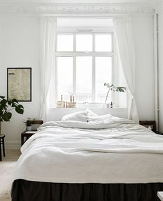 All white bedroom idea bedroom window bedroom decor nighslee memory foam mattress mattress size couple bedroom design contemporary bedroom layout Diy Home Decor Bedroom, Modern Bedroom Furniture, Contemporary Bedroom, Bedroom Wall, Furniture Plans, Kids Furniture, Bedroom Ideas, Minimalist Bedroom, Minimalist Home