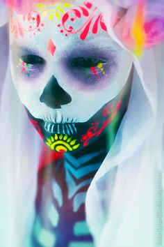 That would definitely scare me on the day of the dead. Dia de los Muertes by Svetlana Magdalasova.