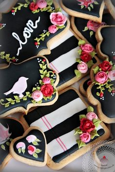 July`s Cupcakes and Cakes World: Chocolate Chip Cookie Dough Truffles and Valentine's Day Galletas Cookies, Cute Cookies, Cupcake Cookies, Cupcakes, Sugar Cookies, Cookie Dough Truffles, Chocolate Chip Cookie Dough, Cake Decorating Supplies, Cookie Decorating