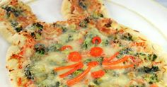 Easter Recipe for Kids: Bunny Pizza - http://food.innerchildfun.com/2014/03/easter-recipes-and-stories.html #kids #food