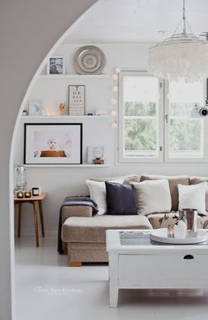 .light and aiiry livingroom