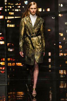 Donna Karan - NYFW Fall/Winter 2015-2016 - www.so-sophisticated.com