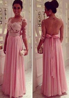 Vestido lindo com renda.