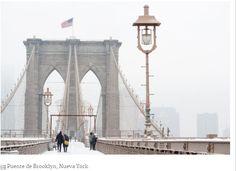 Puente de Brooklyn con nieve
