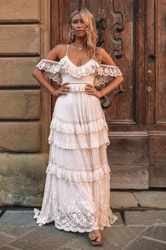 Elegant White Dress, Beautiful White Dresses, White Dresses For Women, White Maxi Dresses, Elegant Dresses, White Boho Dress, Lace Maxi, Estilo Boho Chic, Bohemian Mode