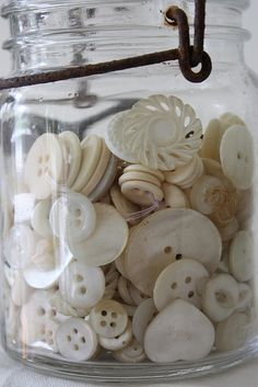 buttons by ivorylushroses, flickr