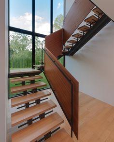 Riggins House by Robert M. Gurney Architect Cabin John MD #Usa ... Area: 4900 sqm.  Maxwell Mackenzie by modern.architect