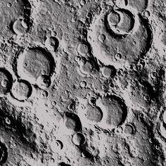 Cratered surface of the Moon. Sistema Solar, Moon Texture, Craters On The Moon, Moon Surface, Fibonacci Spiral, Sweet Night, Tadelakt, Moon Photography, Mark Making