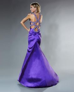 I LOVE exotic looking backs!! This one is beautiful!! My favorite!
