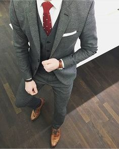 Suit Up, Suit And Tie, Business Outfits, Business Fashion, Mens Fashion Suits, Mens Suits, Spring Fashion Outfits, Men's Fashion, Stylish Men