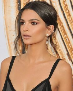 #cfdaawards birthday girl @emrata #MakeupByMario