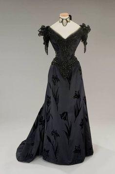 Costume designed by Piero Tosi for Laura Antonelli in L Innocente (1976)  Gothic 2a5396003cd2