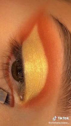 Eye Makeup Steps, Makeup Eye Looks, Eye Makeup Art, Natural Eye Makeup, Skin Makeup, Fire Makeup, Creative Eye Makeup, Colorful Eye Makeup, Hooded Eye Makeup Tutorial