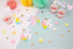 Réalisez ces adorables invitations licorne pour faire craquer tout le monde ! N'hésitez plus, il vous les faut pour la fête d'anniversaire de vos enfants !