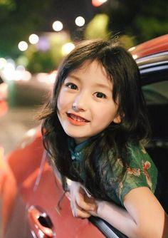 Xinh đẹp hết phần người khác, bé gái 8 tuổi với gương mặt hao hao Angelababy đốn tim hàng loạt cư dân mạng - Ảnh 5.
