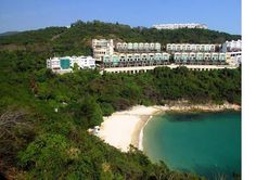 Turtle Cove Beach is a beautiful stretch of beach located east of Stanley and west of Tai Tam Reservoir. Hong Kong Tourist Attractions, Hong Kong Beaches, Hiking Spots, Online Travel, Weekend Getaways, Places Ive Been, Travel Destinations, River, Vacation
