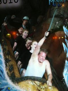The 31 Greatest Roller Coaster Poses - BuzzFeed Mobile Disney Rides, Funny Faces, Roller Coasters, Roller Coaster Pictures, Narnia, Funny Watch, Rollercoaster Funny, Splash Mountain, Disney Humor