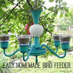 New Diy Garden Crafts Homemade Butterfly Feeder 59 Ideas Homemade Bird Houses, Homemade Bird Feeders, Homemade Bird Baths, Bird Feeder Plans, Diy Bird Feeder, Unique Bird Feeders, Best Bird Feeders, Diy Garden Decor, Garden Crafts