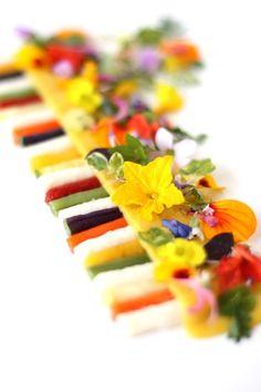 summer pasta 9/10  L'art de dresser et présenter une assiette comme un chef de la gastronomie... > http://visionsgourmandes.com > http://www.facebook.com/VisionsGourmandes  #gastronomie #gastronomy #chef #presentation #presenter #decorer #plating #recette #food #dressage #assiette