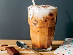 Iced Nutty Cocoa Latte Recipe At Ninja®, we strive to make the most powerful, versatile and high-quality products that inspire you to do more every day than you ever thought was possible. Coffee Milkshake, Coffee Latte, Iced Coffee, Coffee Drinks, Coffee Shop, Coffee Maker, Coffee Enema, Cozy Coffee, Coffee Bags