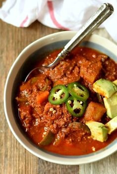 13. Slow Cooker Jalapeño Chili  #paleo #crockpot #recipes…