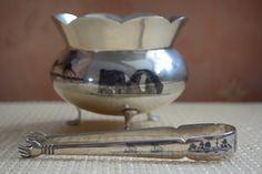 Old Iraqi silver and niello sugar bowl and sugar tongue. circa 1900-1930 شكردان من الفضة العراقية القديمة المنقوشة بالمينا السوداء. شعل اهل الصبة