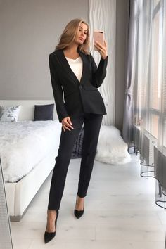 Cute Office Outfits, Classy Work Outfits, Stylish Outfits, Fashion Outfits, Business Professional Outfits, Business Outfits Women, Lawyer Fashion, Lawyer Outfit, Business Style