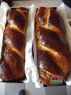 Cozonac cu faina 00 Romanian Food, Bread And Pastries, Sweet Bread, Italian Recipes, Baked Goods, Banana Bread, Food And Drink, Baking, Desserts