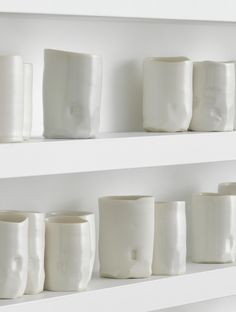 breathturn, II, 2013 (detail) 416 porcelain vessels in aluminium and plexiglass cabinet  || edmund de waal ||