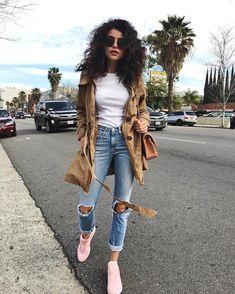 "24.7k aprecieri, 234 comentarii - SAZAN HENDRIX (@sazanhendrix) pe Instagram: ""Happy Sunday  You can shop the look now on  sazan.me/shop #denimstyle"""