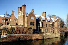 Lewis began teaching at Magdalene College, Cambridge, in 1954.